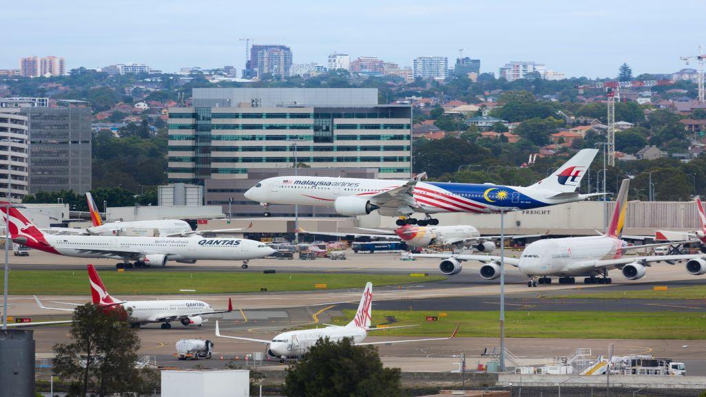 avions dans un aéroport